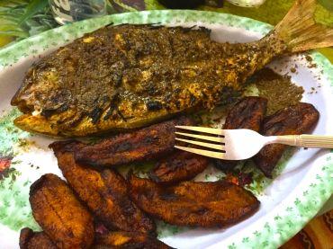 Baked fish and 'banane a loco' = plantains